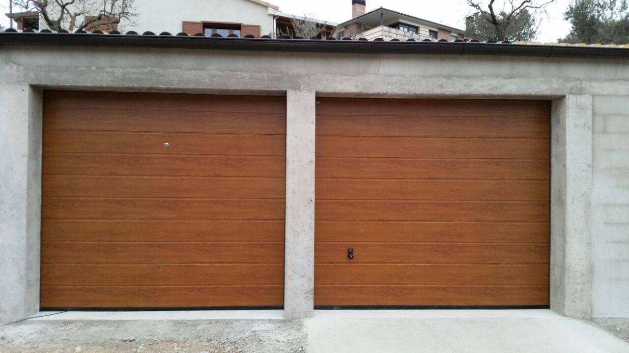 Puertas mcm puertas garaje for Puerta garaje