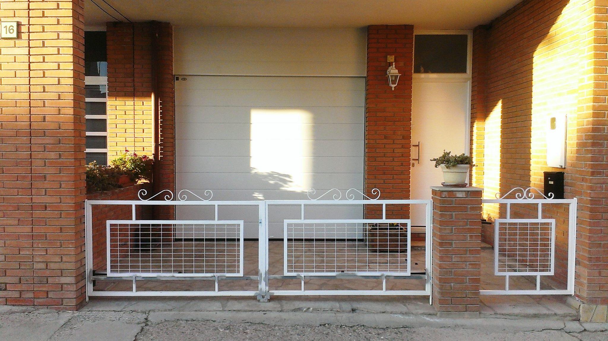 Puertas mcm todo incluido for Puerta garaje